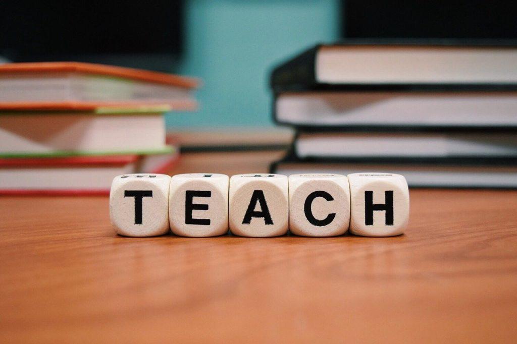 teach-1968076_1280