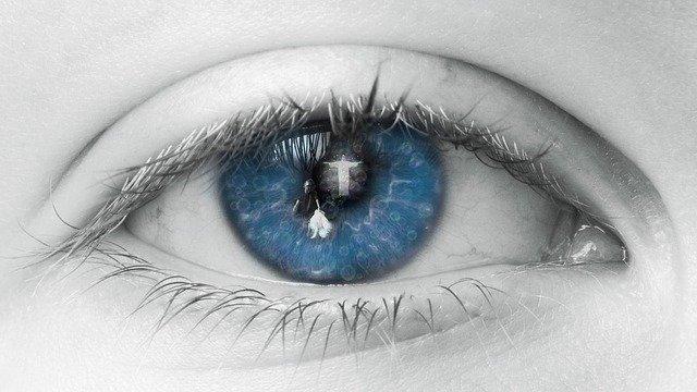 eye-2644086_640