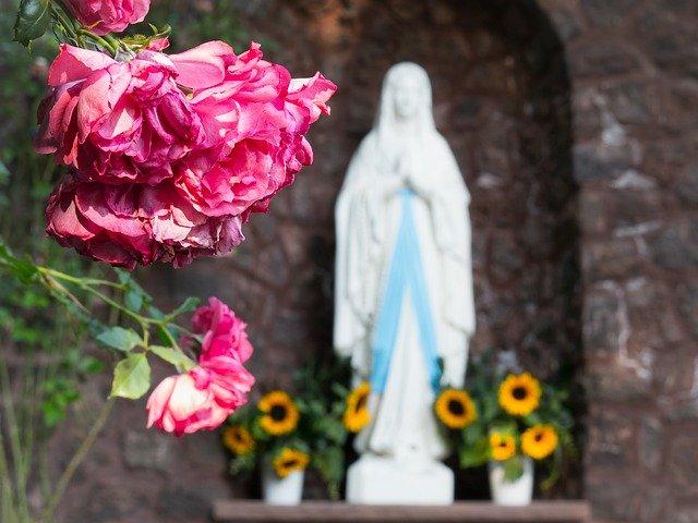 maria-madonna-fiori