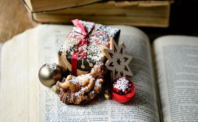 christmas-3700033_640