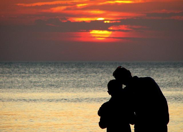 sunset-1342099_640