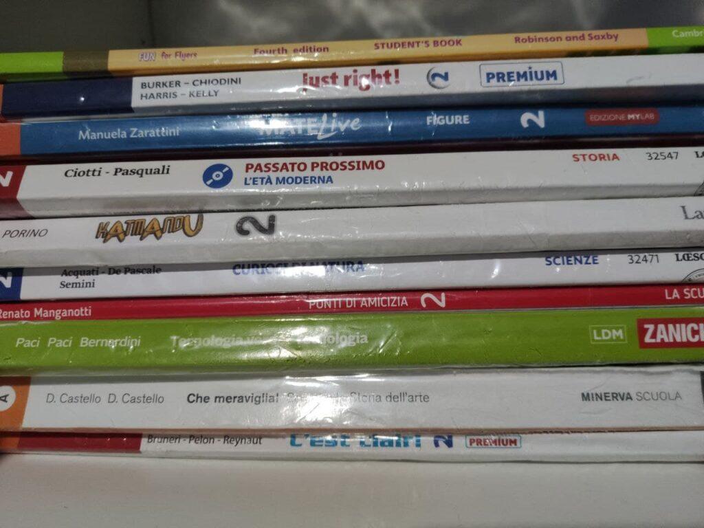 Libri testo Scuola media